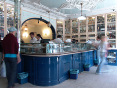 Interior de la pastelería de Belém.