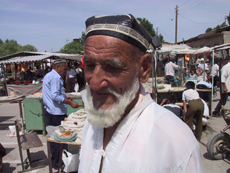 Retrato con sombrero típico.