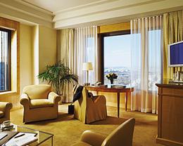 Una 'suite' en el Four Seasons, por las nubes.