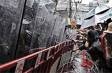 Cordón policial durante estos días en Bangkok. / AFP