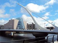 Puente Samuel Beckett, de Santiago Calatrava.